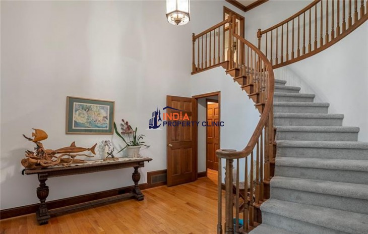 Residential House for Sale in Belmont Heights