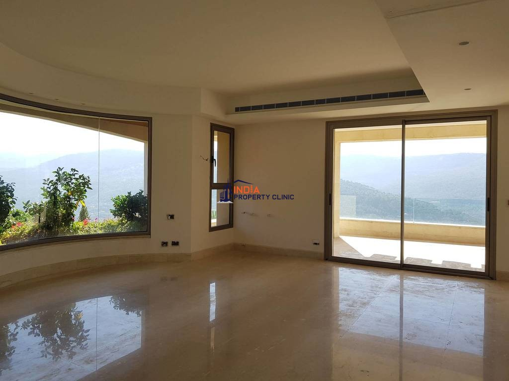 5 bedroom luxury Villa for sale in Baabdât