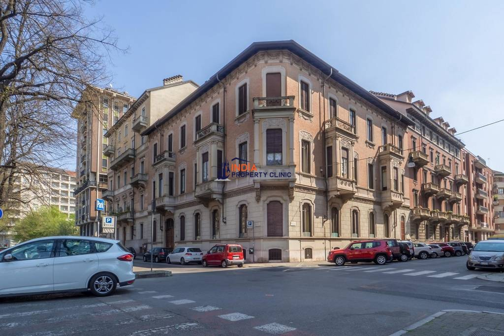 6 room luxury Flat for sale in Corso Re Umberto
