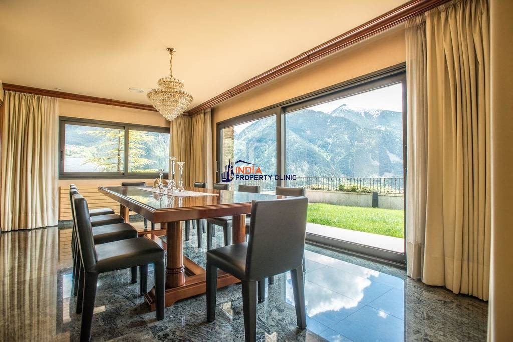 11 bedroom Detached House for sale in Escaldes Engordany