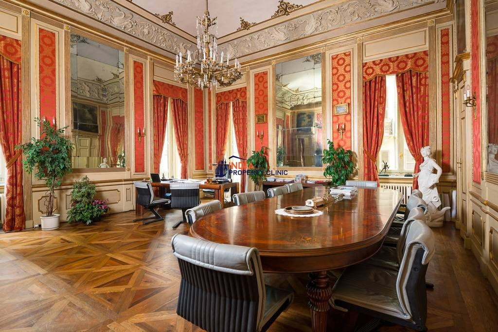 6 room luxury Flat for sale in Turin