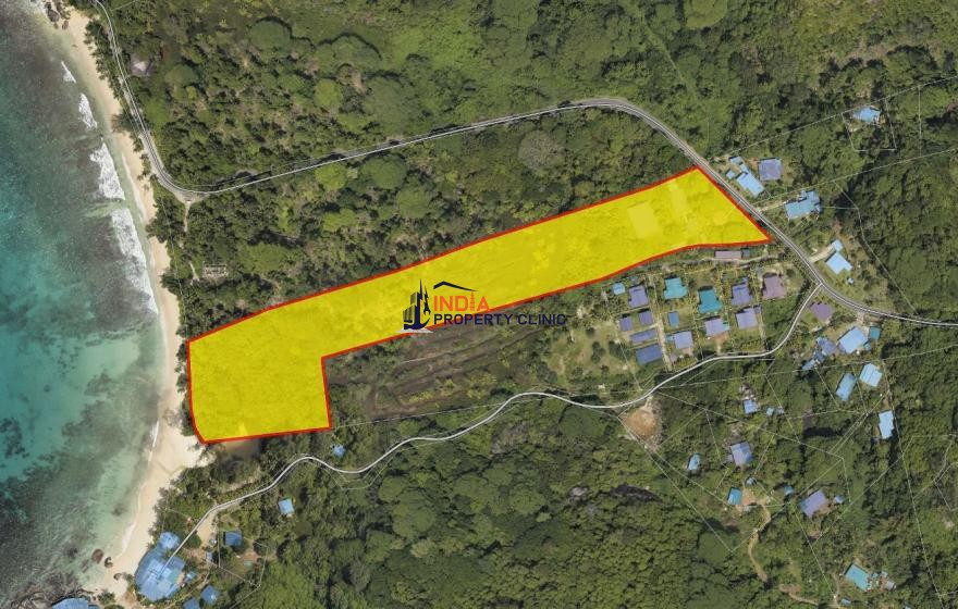 7 acres Land For Sale in Takamaka