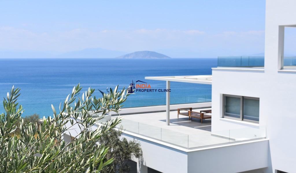 5 Bedroom Villa For Sale in Porto Heli