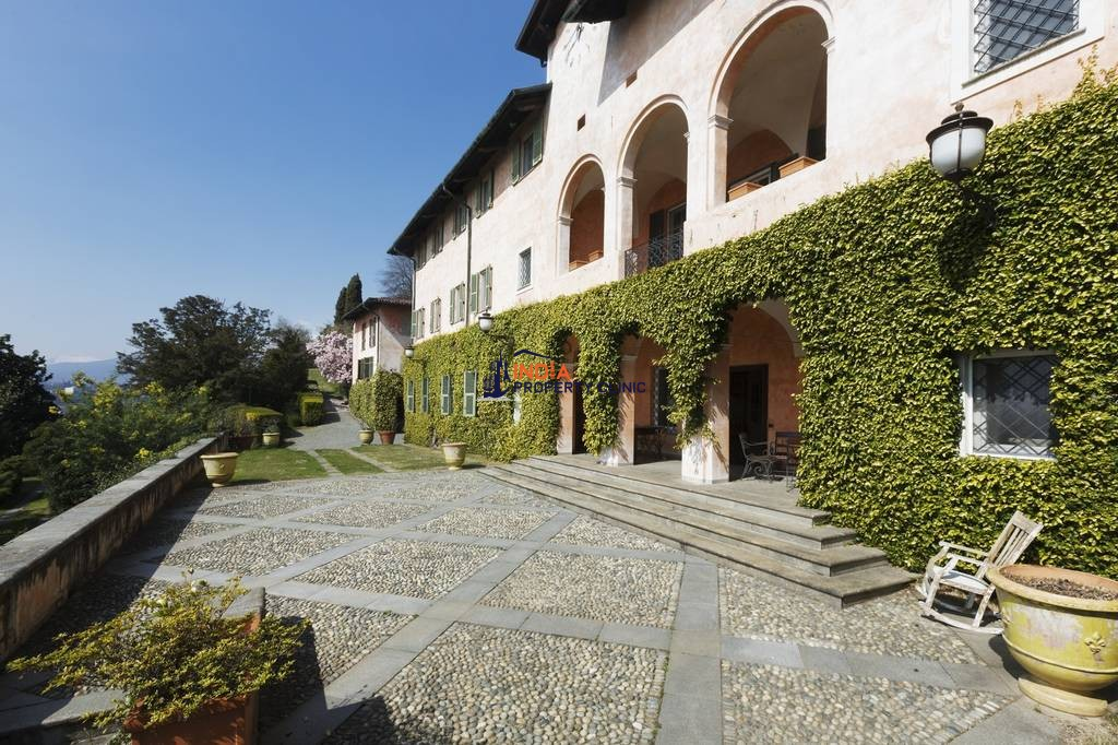 35 room luxury House for sale in Strada Cascina Giocco