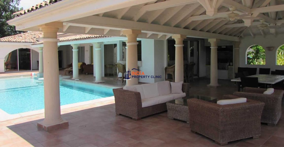 7 Bedroom Condo for Sale in Terres Basses