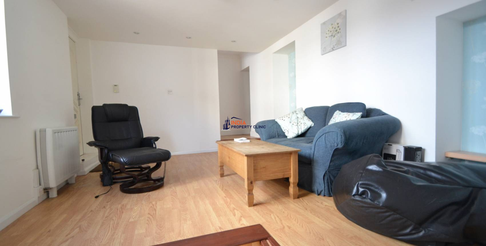 Flat For Sale in Allez Street