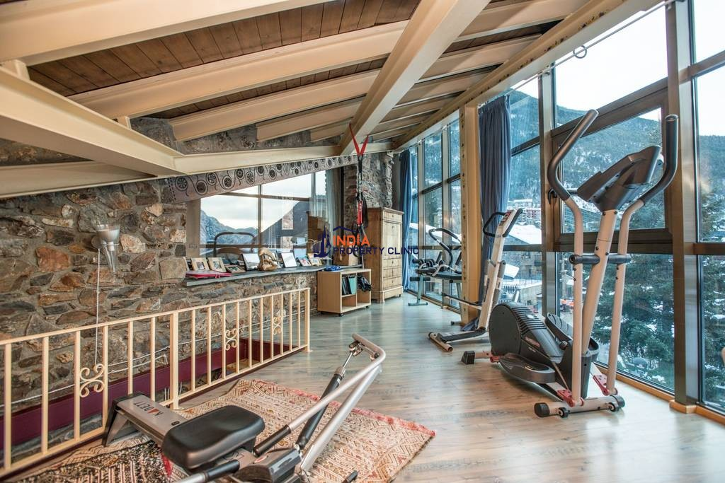 Luxury Detached House for sale in Les Bons