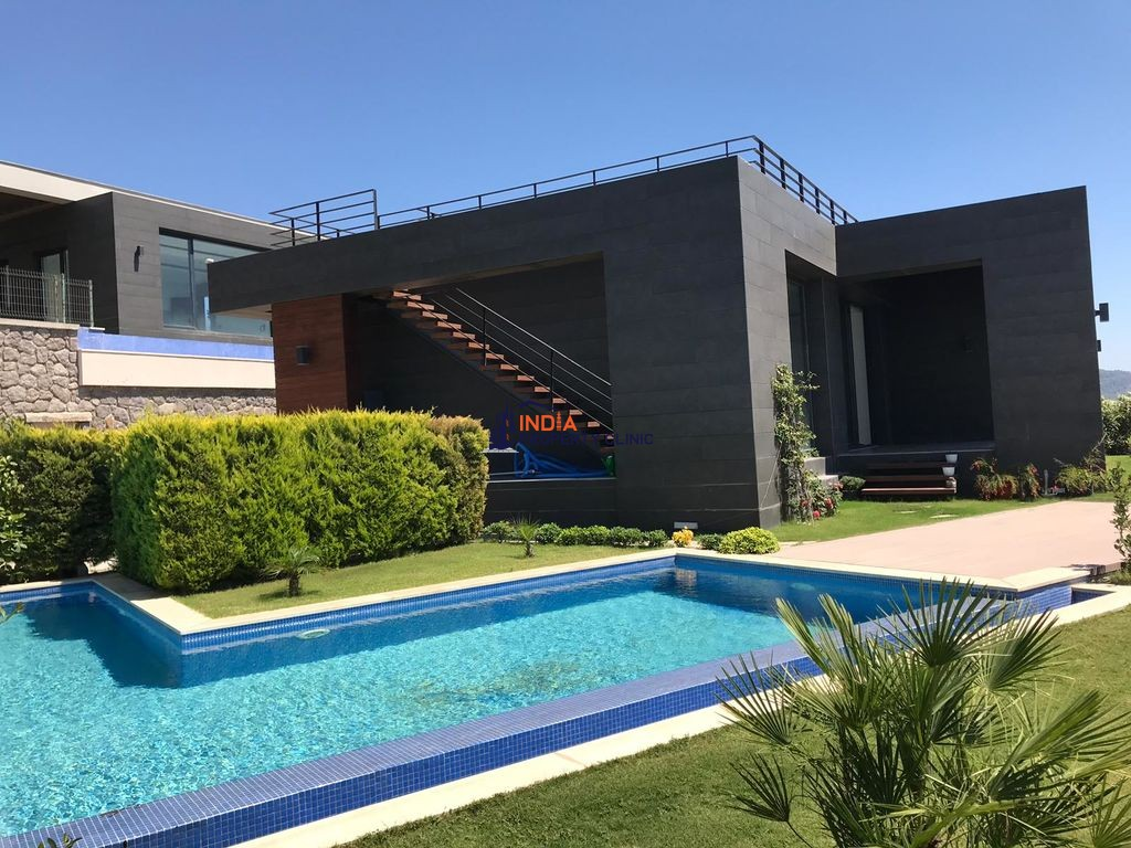 5 room luxury Villa for sale in Bodrum