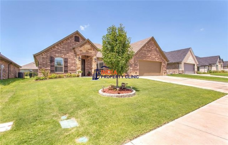 4 bedroom House For Sale in Granbury