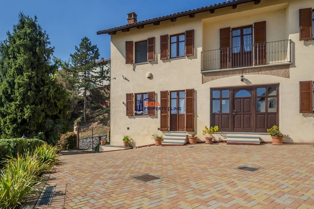 16 room luxury House for sale in Casorzo