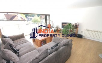 Apartment For Sale in Valley Des Vaux