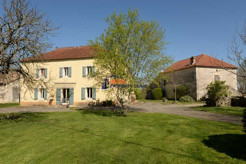 Farmhouse For Sale in Toulouse