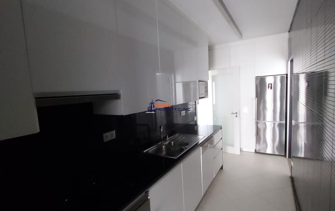 Furnished 3 bedroom Condo For Rent in Sommerschield