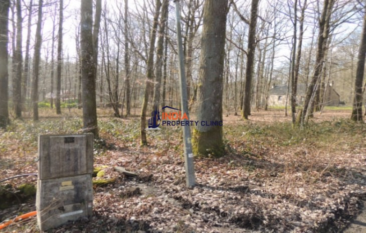 Land For Sale in Roly