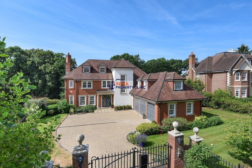 6 bedroom luxury House for sale in Eyhurst Spur