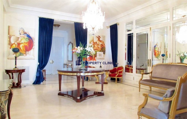 French Style Apartment  For Sale in Buenos Aires