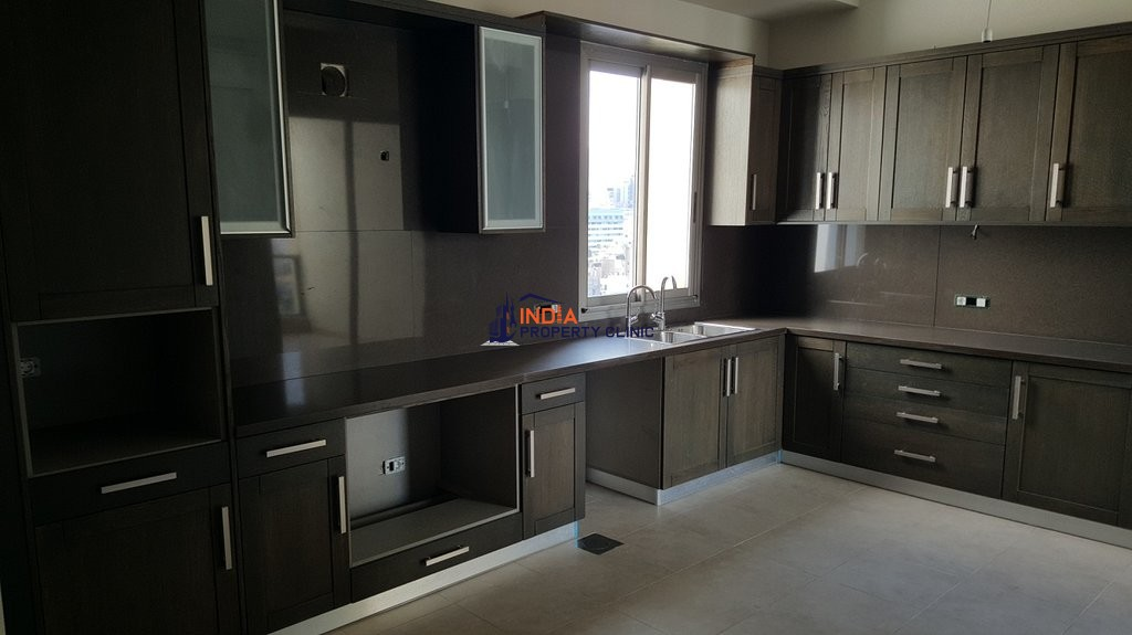 7 room luxury Flat for sale in Achrafieh