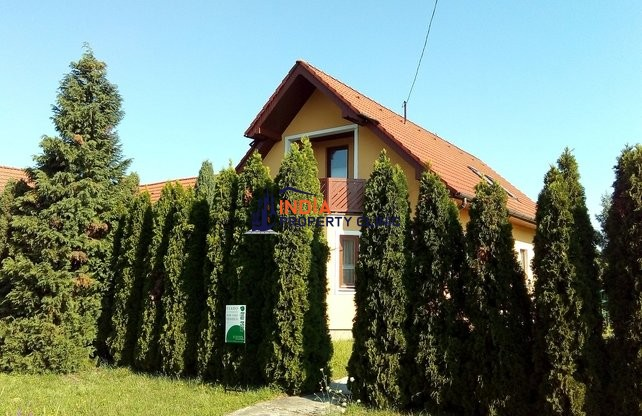 Detached Home For Sale in Lenti