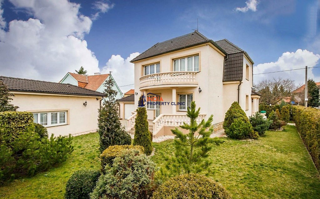 Villa for sale in Brandýs nad Labem