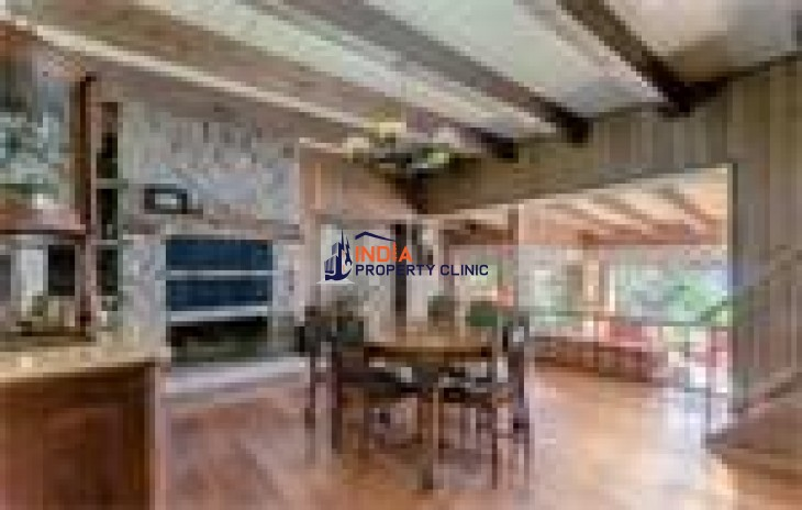 Lake front House For Sale in Bariloche
