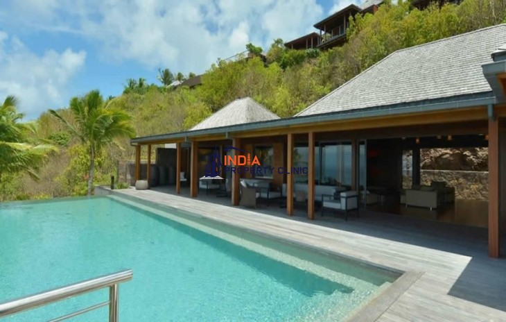6 Bedroom Luxury Villa for Sale in Marigot