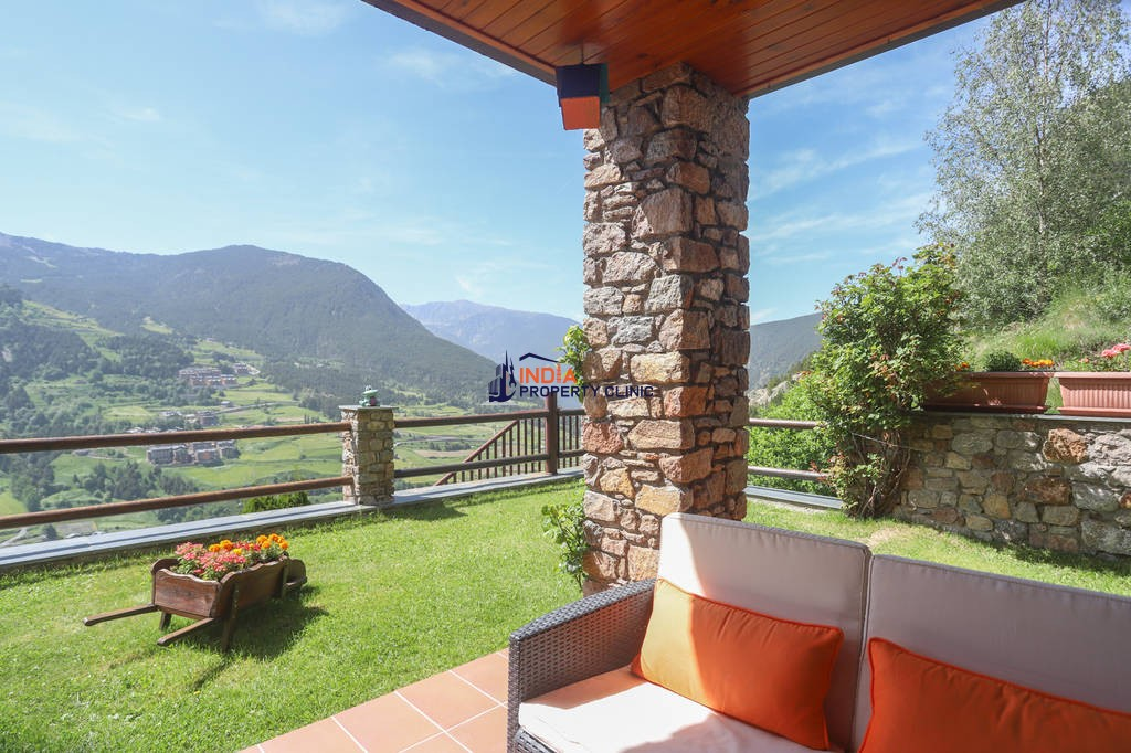 Luxury 6 bedroom Detached House for sale in l'Aldosa de canillo