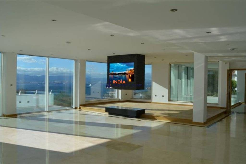 7 bedroom Detached House for sale in Gibraltar