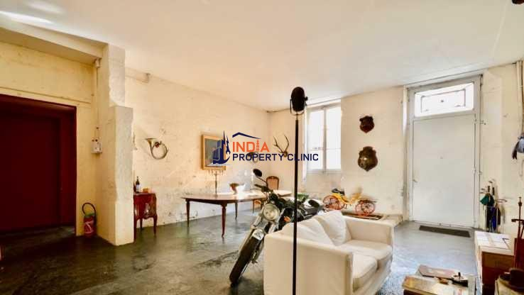 Apartment For Sale in Chartrons