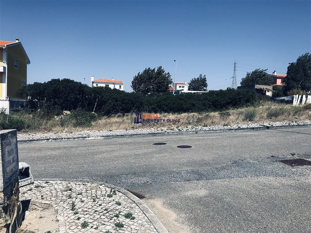Farm Land For Sale in Cascais