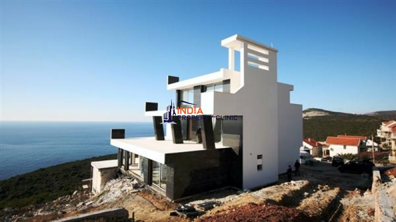 5 bedroom luxury Villa for sale in Budva