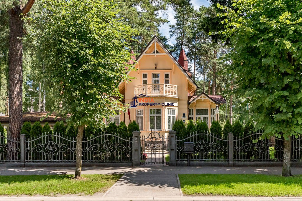 8 room Detached House for sale in Jūrmala