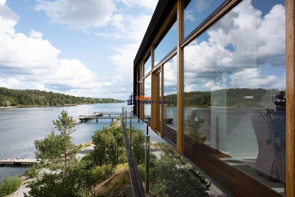 8 room luxury Detached House for sale in Lidingö