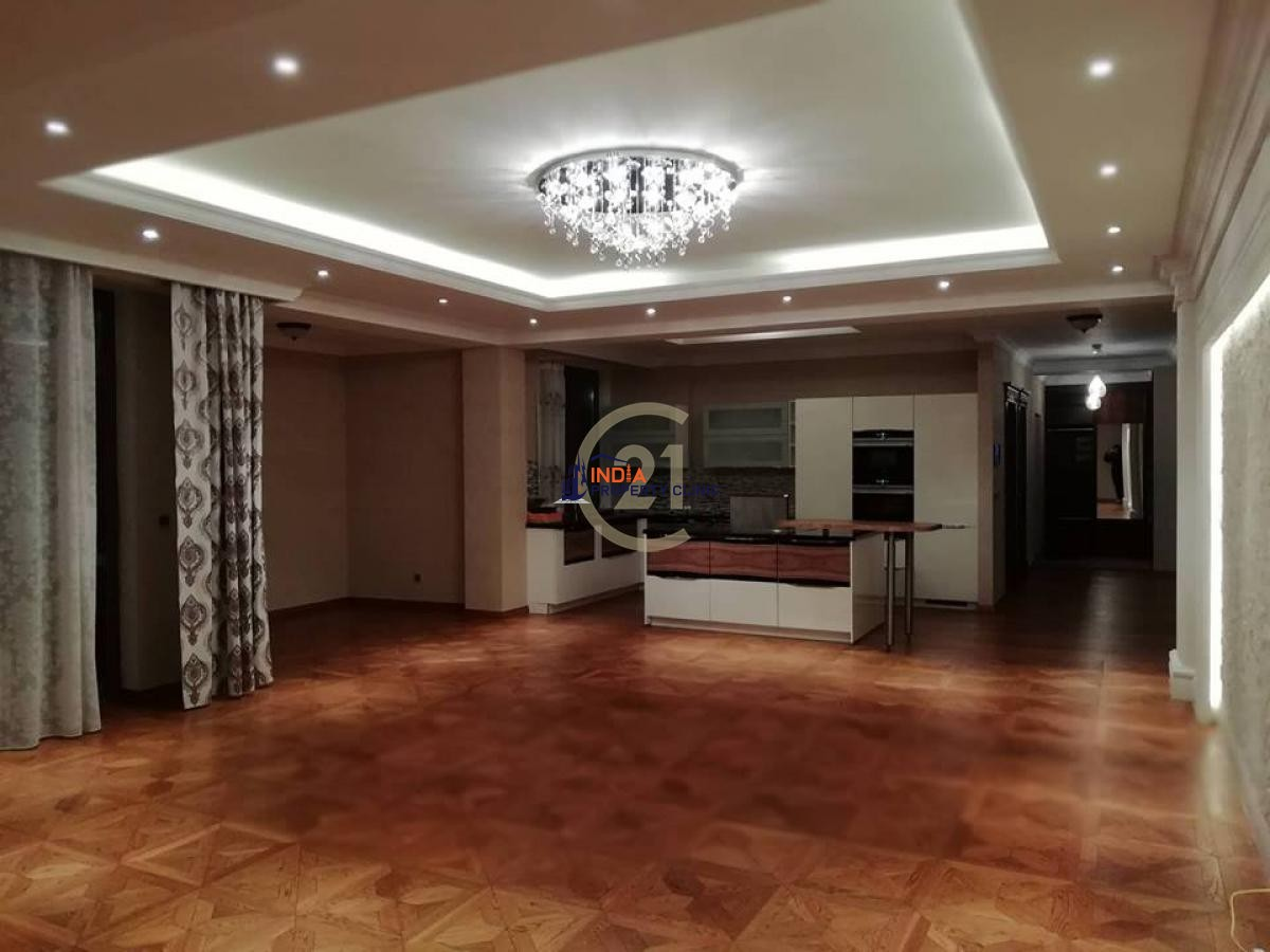 Apartment For Sale in Rive Horde