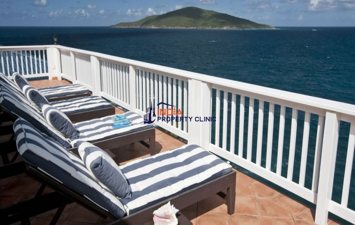 8 Bedroom for Sale in St Thomas