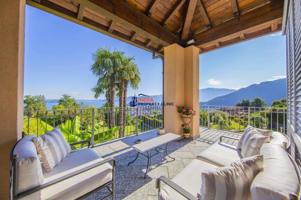 Villa for sale in Verbania