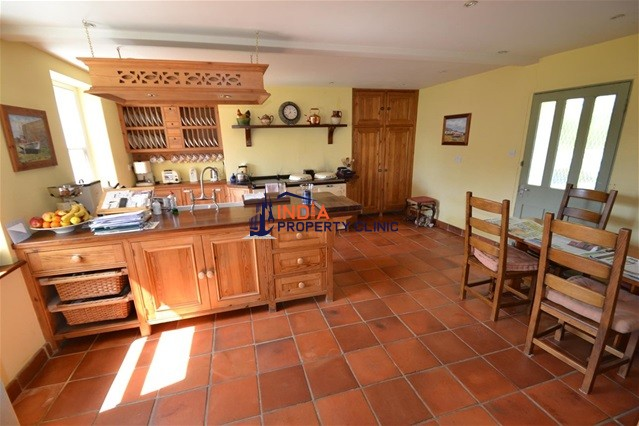 House For Sale in La Route De L'eglise
