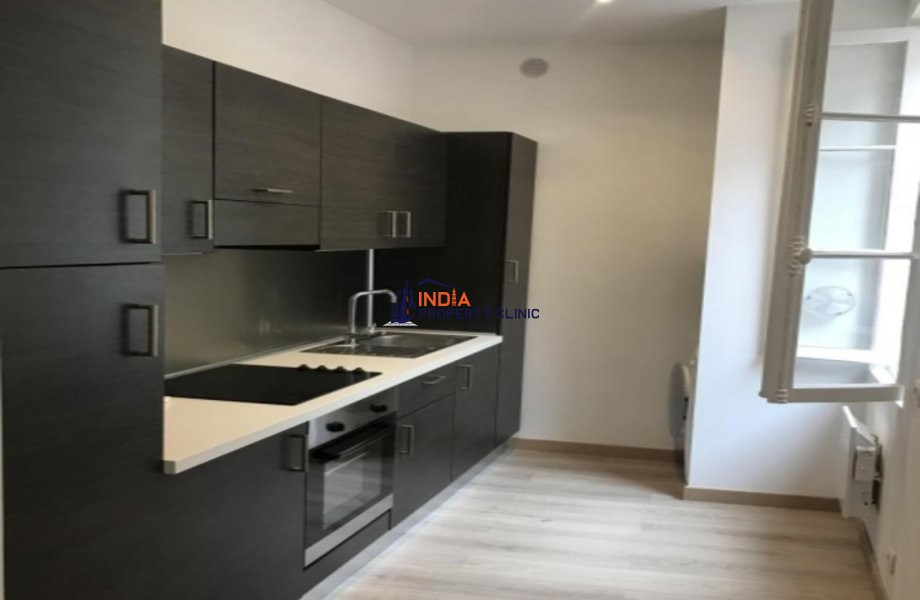 Flat for Sale in Condamine
