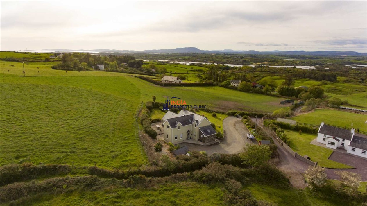 Terrace House For Sale in Rathmore