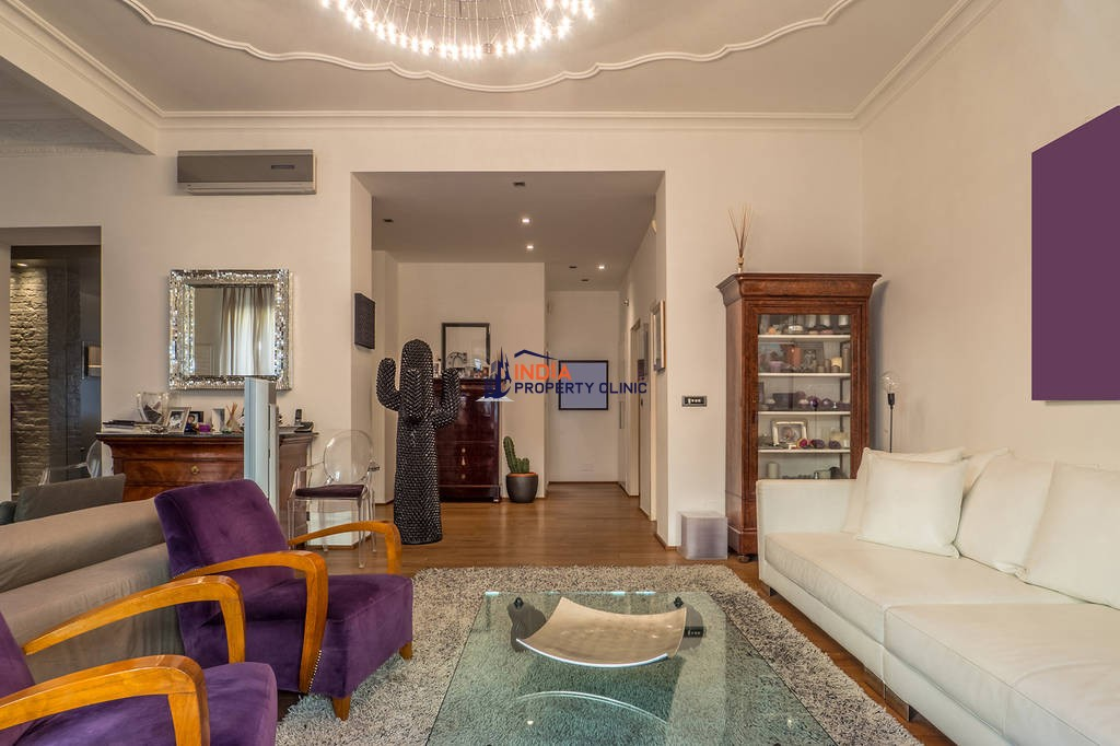 7 room luxury Flat in Via Governolo Turin