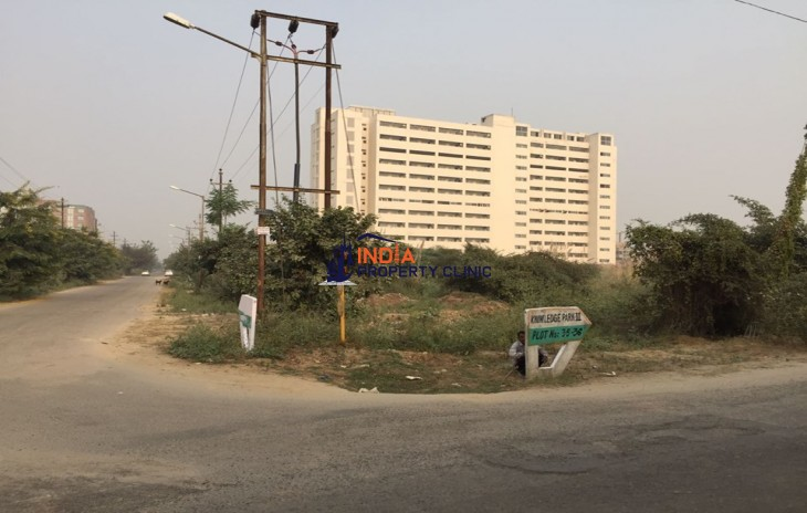 2.5 Acres Land For Sale in Knowledge Park 3 Greater Noida