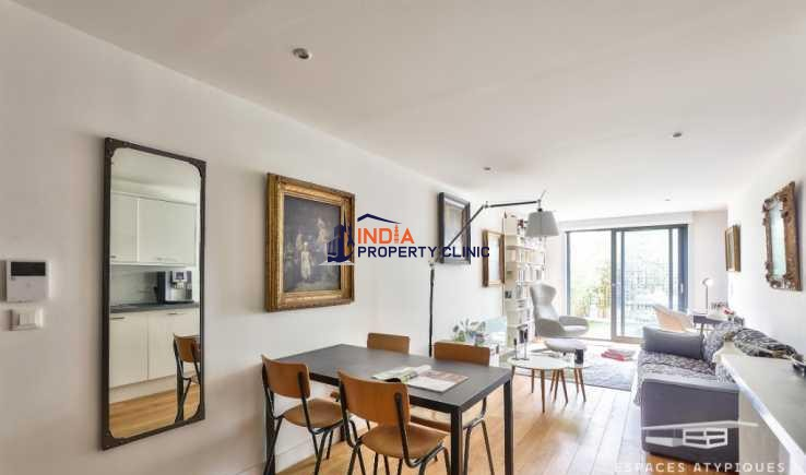 Apartment with terrace For Sale in Olympiades