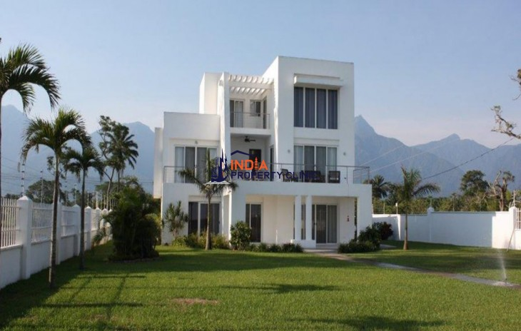 6 Bedroom House for Sale in Atlantida