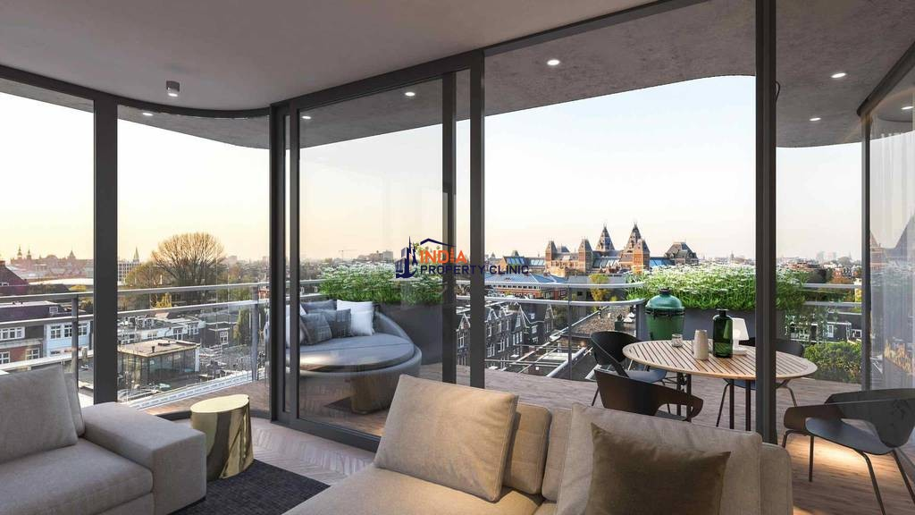 3 bedroom Apartment for sale in Amsterdam