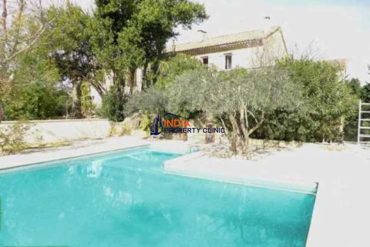 Countryside house For Sale in Avignon