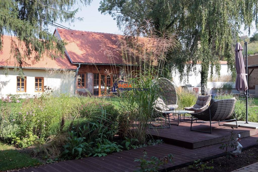 7 room exclusive country house for sale in Třebichovice