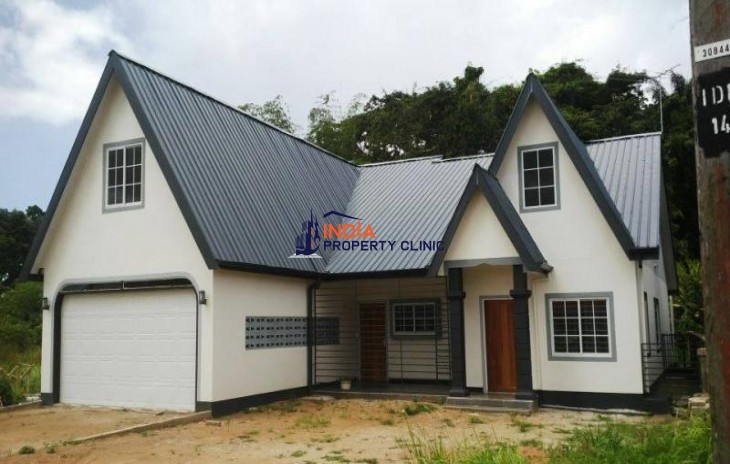 bedroom House For Sale in Paramaribo