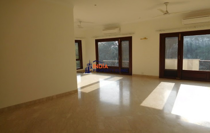 4bhk Flat For Rent in Dharam Marg