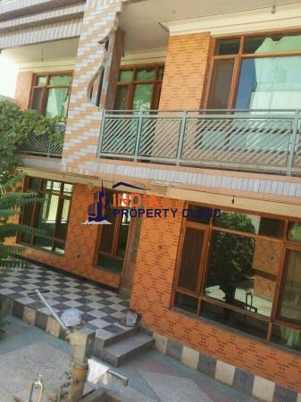 7  Bedroom House For Sale in Bushti