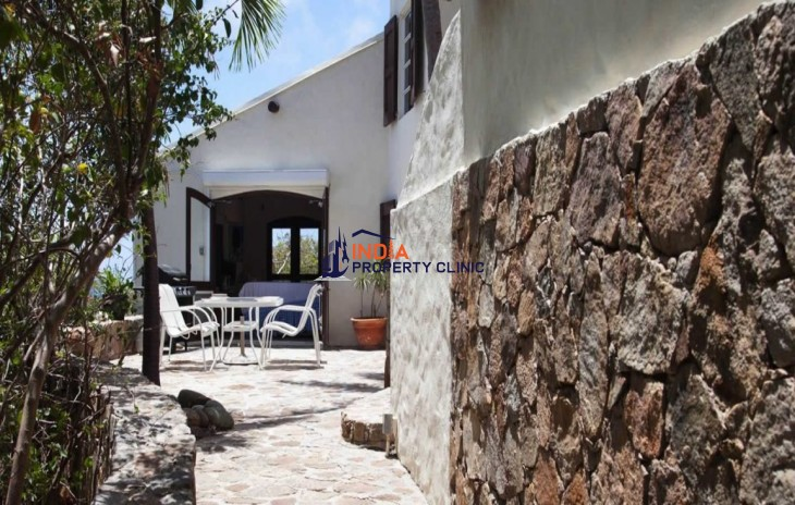 Family House For Sale in Agat