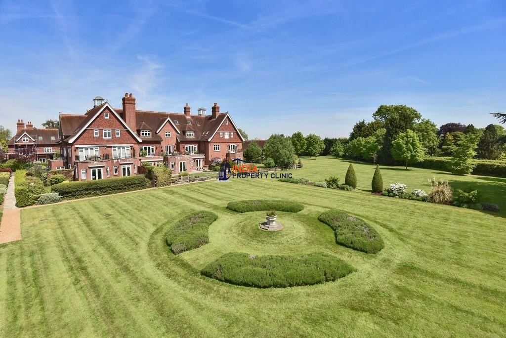 4 bedroom luxury Flat for sale in Eyhurst Park